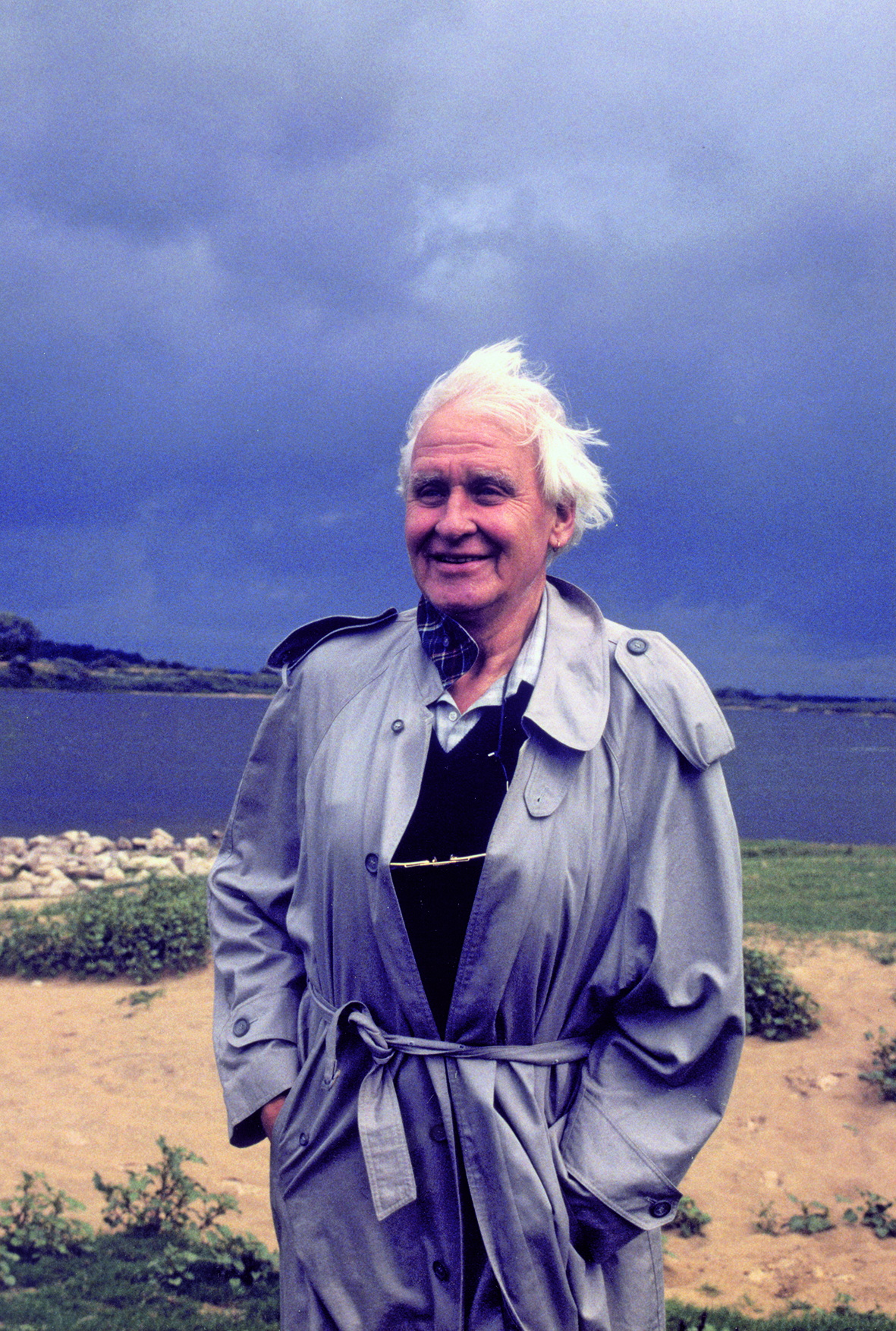 Gotthold Gloger am Ufer der Memel 1994 Foto von Thomas Plenert kl